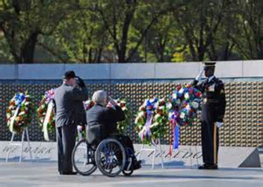 PHOTO: It's Veterans Day, and Panoramaland Honor Flight of Utah helps Utah's veterans see the World War II Memorial and other military sites in Washington, D.C. Photo courtesy US Army.
