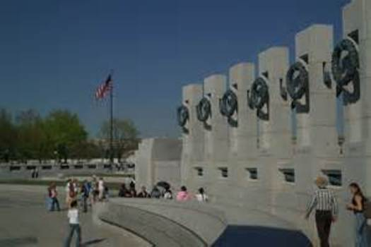 PHOTO: Honor Flight Arizona works to make sure that Arizona's veterans are able to visit the World War II Memorial and other important patriotic sites in the nation's capital. Photo courtesy National Park Service.