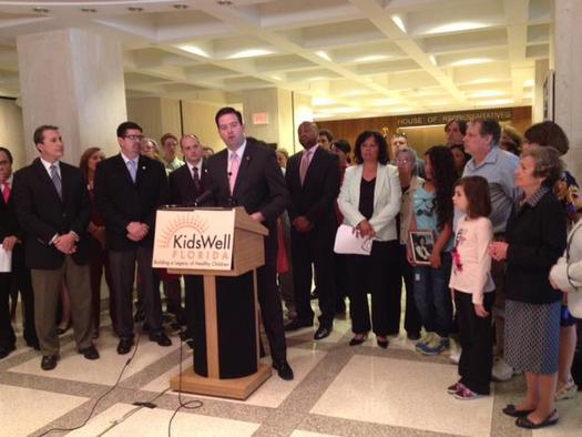 FOTO: Rep. Jose Felix Diaz en uno de los patrocinadores de la iniciativa KidCare Immigrant Bill para la sesi�n de 2014. Cortesia: Florida CHAIN