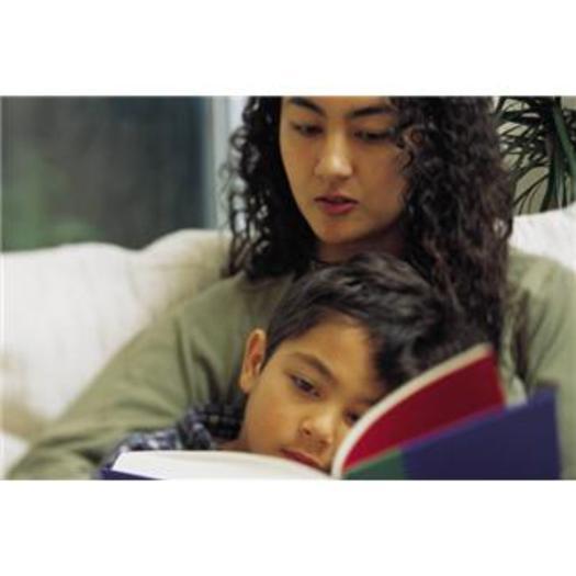 FOTO: Dice un reporte que para cuando llegan a cuarto grado, la mayor�a de los estudiantes de New Mexico no leen de acuerdo a su nivel, y eso tiene serias implicaciones durante el resto de sus vidas. Cr�dito de la foto: NM Voices for Children.