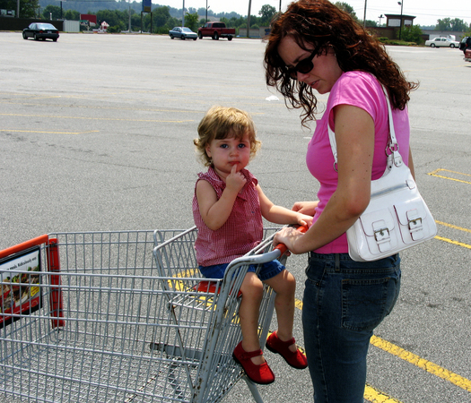 PHOTO: Shopping carts can be a major source of injuries for Florida children, according to a new study from Nationwide Children�s Hospital. Photo credit: morguefile.com