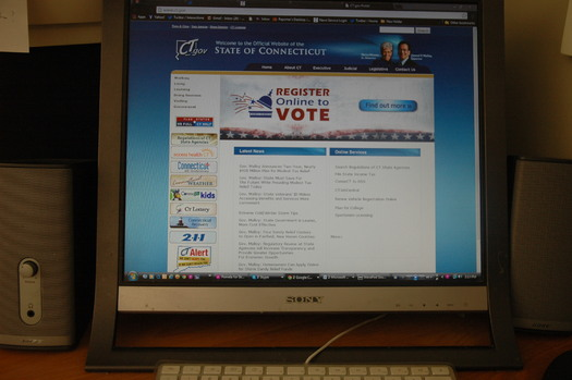 PHOTO: This month, Connecticut became the 15th state to allow residents to register to vote online. Photo credit: @mlcliff