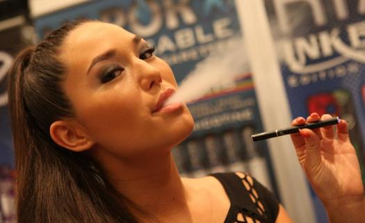 PHOTO: Electronic cigarettes, hookah pens, e-hookahs and vape pipes are growing in popularity in Maine, but experts say there isn�t enough science about how safe they are. Credit: Michael Dorausch, Wikimedia Commons.
