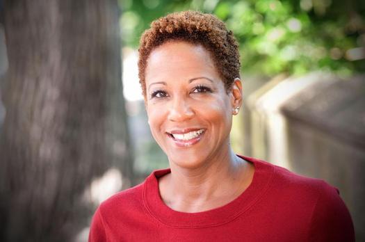"""FOTO: Janet Taylor es líder de pensamiento en el programa """"La Vida Re-imaginada"""" (Life Reimagined), de la AARP. Ella afirma que los adultos mayores tienen aún tiempo de sobra para hacer lo que deseen, si lo aprovechan al máximo. Crédito de la foto: AARP."""