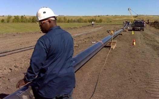 Despite intense opposition, the Iowa Utilities Board has approved a permit for a new oil pipeline to stretch across Iowa, carrying nearly a half-million barrels a day. (thebakken.com)