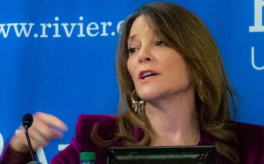 After a spike of initial interest, spiritual advice author Marianne Williamson's presidential campaign stalled. (Marc Nozell/Wikipedia)