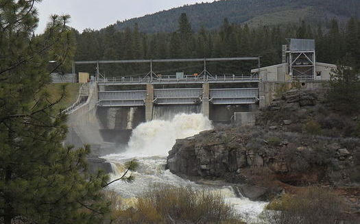 The John C. Boyle Dam, southwest of Klamath Falls, is one of four dams slated for removal as early as 2022. (Bobjgalindo/Wikimedia Commons)