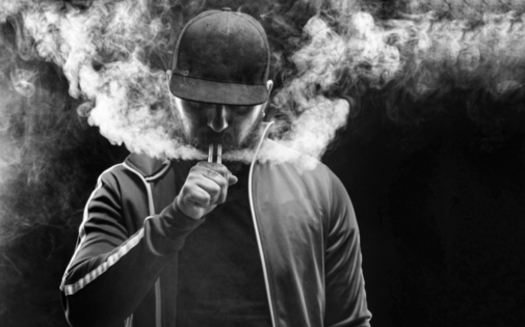 New research shows a strong correlation between vaping and catching coronavirus. (Adobe stock)