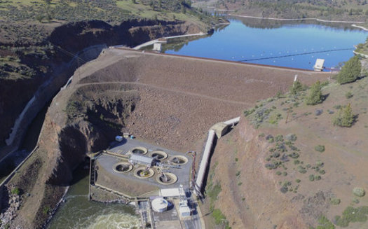 The Iron Gate Dam on the Klamath River near Hornbrook, Calif., is one of four that will be removed in 2023 as part of a new agreement. (Matthew Wier/CalTrout)