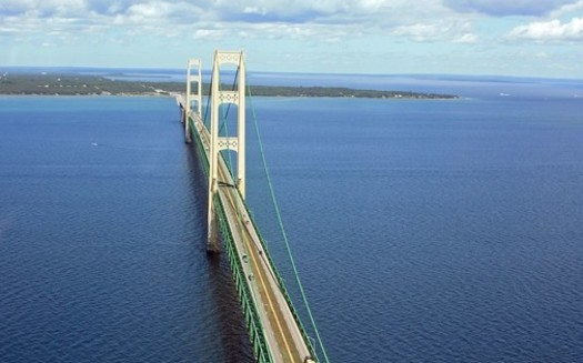 The Line 5 pipelines run as deep as 270 feet below the surface of the Straits of Mackinac. (Justin BillauFlickr)<br />