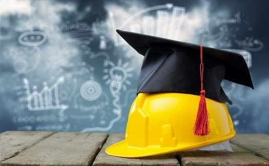 Apprenticeship programs based at community colleges have a number of advantages, including access to school resources. (BillionPhotos.com/Adobe Stock)