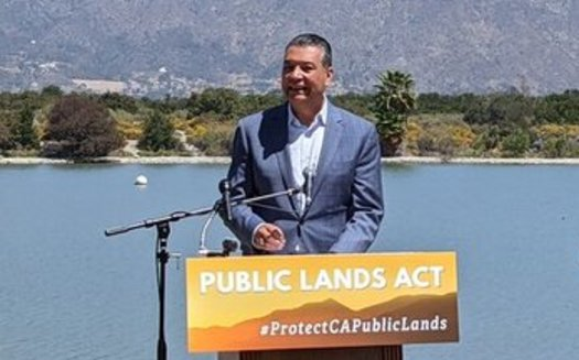 Sen. Alex Padilla, D-Calif., speaks at an event announcing the PUBLIC Lands Act at the Santa Fe Dam Recreation Area in Irwindale, in the foothills of the San Gabriel Mountains. (Bryan Matsumoto/Nature for All)