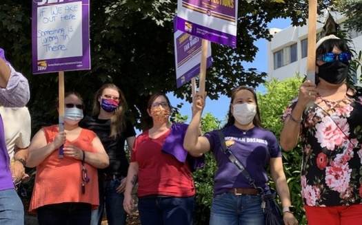 Workers picketed outside Samaritan Albany General Hospital this week, to call for more bargaining on their union contracts. (SEIU Local 49)
