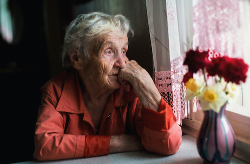 Seniors experiencing social isolation are at increased risk of dementia, depression, acute and chronic illness, and pre-mature death.(Adobe Stock)