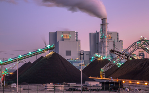 Wyoming lawmakers recently allocated $1.2 million for a legal fund to sue states that block coal exports or retire coal-fired power plants. (Adobe Stock)