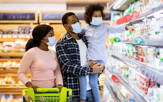 Research shows low-income families spend a much higher percentage of their income on food than families with a higher income. (Adobe Stock)