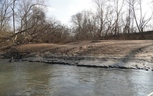 In 2014 a broken pipe in North Carolina released 39,000 tons of coal ash into the Dan River. (EPA/WikimediaCommons)