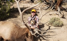 Families with children between age 12 and 20 facing serious, life-threatening health circumstances can sign up for a special hunting program at MuleyFanatic.org. (Muley Fanatic Foundation)