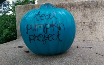 PHOTO: This Halloween, teal pumpkins will indicate houses that are handing out allergy-safe, non-food items, in an effort to include more children in the fall festivities. Photo credit: Nancy Gregory, Food Allergy Research and Education.