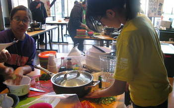 PHOTO: Nutrition is one focus of the 21st Century Afterschool programs in Yakima. A new report says 17 percent of Washington kids are enrolled in after-school programs; parents say 36 percent would be if they had access to one. Photo courtesy NW Community Action Center.