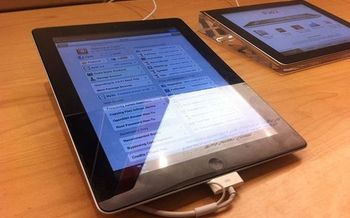 PHOTO: Students attended an assistive technologies workshop at the Denver Public Library recently where they learned how smart tablets apps can help people with learning disabilities. Photo credit: Beau Giles/Wikimedia Commons.