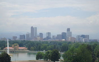 PHOTO: The Environmental Protection Agency has proposed increasing ozone pollution standards. Industry groups are pushing back, claiming new regulations would damage the economy. Denver received a D grade on the American Lung Association's State of the Air report card for 2014. Photo credit: Stilfehler/Wikimedia Commons.