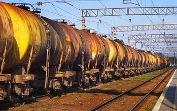 PHOTO: Companies running oil trains in California will be required to have a spill-response plan. Photo credit: vladyslav-danilin/shutterstock