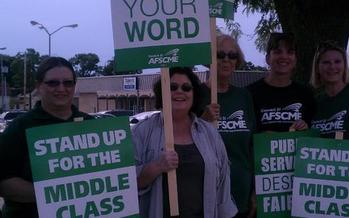 PHOTO: After six months of bargaining talks, negotiations continue on Illinois' contract with the American Federation of State, County and Municipal Employees, which expires June 30. Photo courtesy AFSCME Local 31.