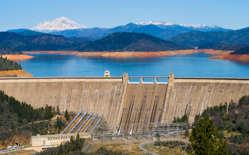 Shasta Dam is one of dozens of dams that provide hydropower to California. The U.S. House of Representatives is considering a bill to change the way hydropower licensing is conducted. Credit: Photoquest7/iStockphoto.com.