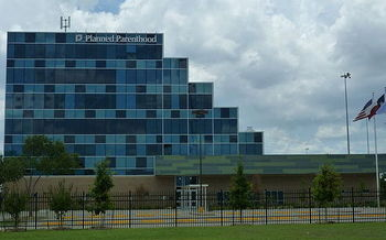 Several videos purport to show Planned Parenthood discussing fetal tissue donation. Credit: Hourick/Wikimedia Commons.