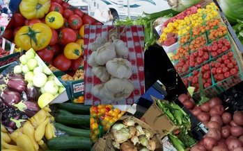 The USDA estimates farmers markets that have been open at least two years have seen a 64 percent increase in customer traffic. Courtesy: Shirley's Farmers Markets