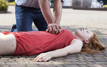 Bystander CPR can double or even triple the odds of survival for a cardiac arrest victim. Credit: Katarzyna Bialasiewicz.