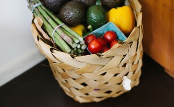 As Coloradans face colder weather and higher utility bills, demand for food pantry assistance increases while supplies decline at the end of harvest season. Credit: Leonie Wise