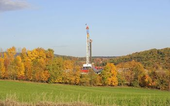 Environmentalists say HB1327 would prohibit modernization of gas drilling regulations. (Meredithw/Wikipedia)