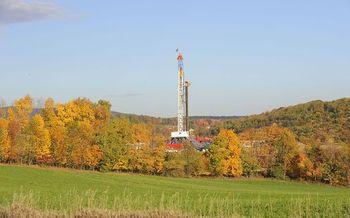Environmentalists say HB1327 would prohibit modernization of gas drilling regulations. (Meredithw/Wikipedia)