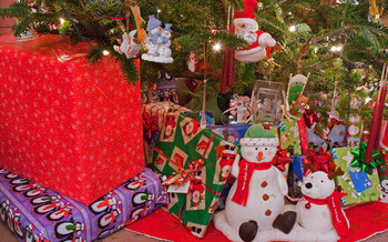 Americans generate about 25 million extra tons of waste during the holiday season. (earl53/morguefile)