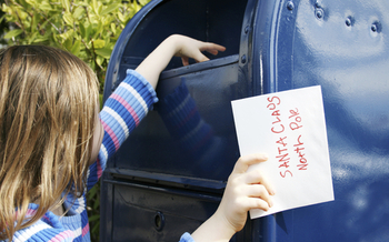 The U.S. Postal Service is helping answer thousands of Chicago-area kids' letters to Santa. (iStockphoto)
