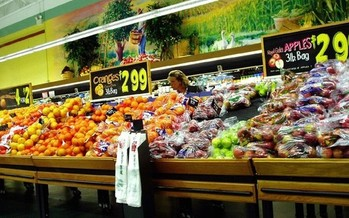 Law designed to protect grocery store workers draws opponents in the grocery industry. (Cindy Kalamajka/freeimages.com)