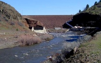 The Iron Gate Dam is one of four slated for removal if all parties agree on amendments to the Klamath Hydroelectric Settlement Agreement. (California Trout)