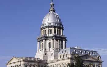 As Gov. Bruce Rauner is set to give his second budget address, a watchdog says the state budget is on autopilot. (iStockphoto)
