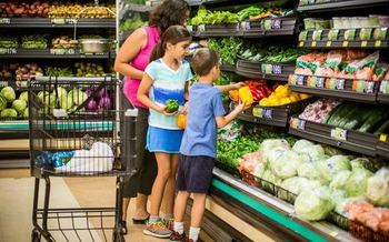 A provision proposed for the state budget aims to help bring healthy groceries to Virginia's food deserts. (American Heart Association)