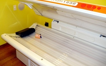 The Iowa Legislature again is discussing banning use of indoor tanning beds by minors. (jdurham/morguefile)