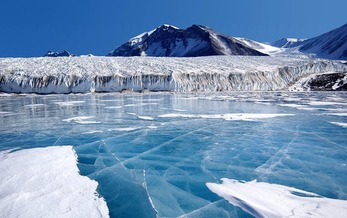 New University of Colorado research shows that upside-down rivers, created by warming ocean water, are threatening ice shelves across the Antarctic continent. (Pixabay)