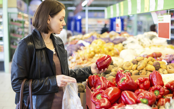 An upcoming report shows access to healthy foods has been shrinking, especially for rural and low-income Minnesotans. (iStockphoto)