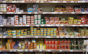 Analysis of canned foods found 67 percent of the cans tested had BPA in the lining. (King of Hearts/Wikimedia Commons)