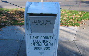 Contributors to candidates in Tuesday's primary election have no limit on how much they can give. (Chris Phan/flickr user clipdude)