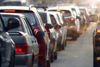 Getting traffic off the roadways is a key to cutting carbon pollution in major cities, according to a Frontier Group report released by Arizona PIRG. (kichigin/iStockphoto)