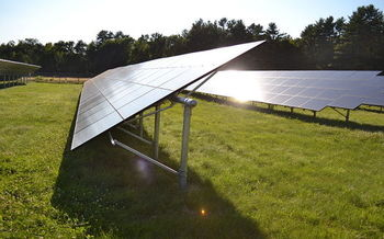 Expanding existing energy efficiency and renewables policies would help Connecticut reach target reductions in greenhouse gases. (SayCheeeeeese/Wikimedia Commons)