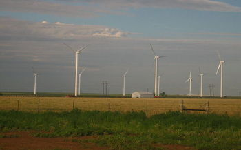 A proposed law would put New York on track to achieve 100 percent of its energy from clean, renewable sources by 2050. (Billy Hathorn/Wikimedia Commons)