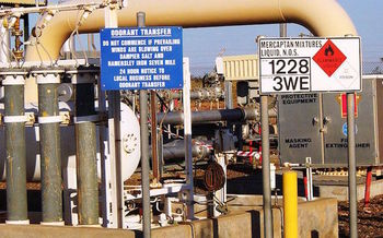 Riders to the EPA appropriations bill would prevent enforcement of the EPA�s new methane rule. (Glen Dillon/Wikimedia Commons)